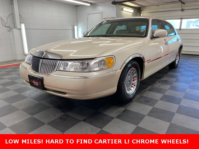 2000 Lincoln Town Car Cartier for sale at Don Sitts Auto Group