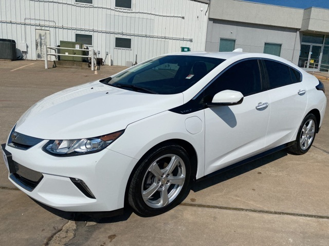 used Summit White 2018 Chevrolet Volt LT with Jet Black Interior located in Durant