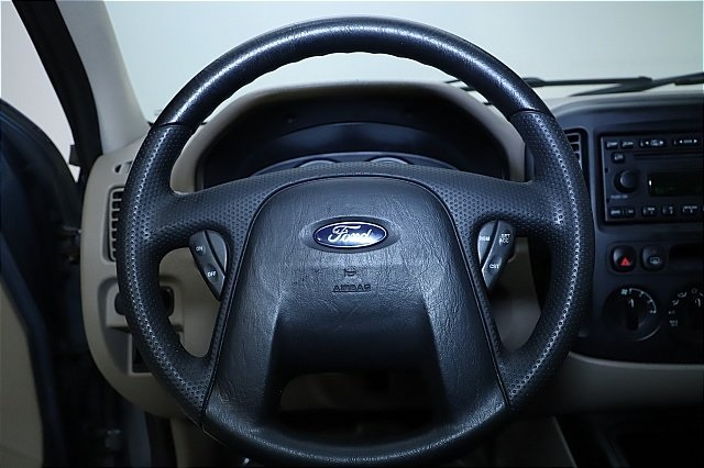 2005 Ford Escape XLS for sale at Auto World Credit