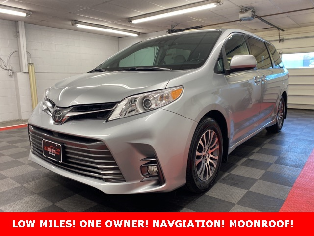 2019 Toyota Sienna XLE for sale at Don Sitts Auto Group