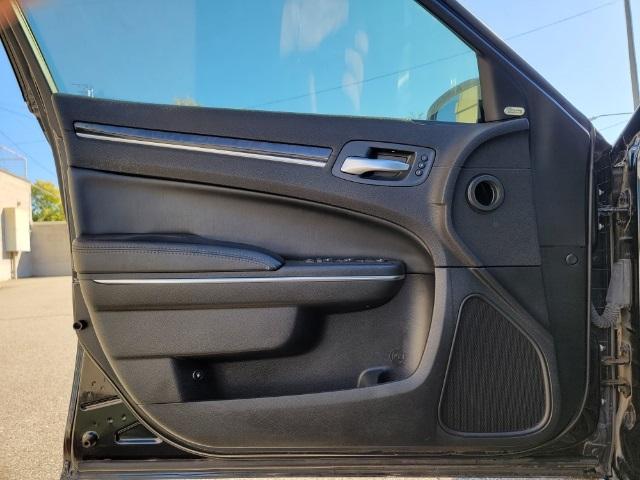 Used 2017 Chrysler 300C