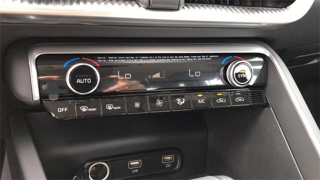 2021 Kia K5 4dr Car