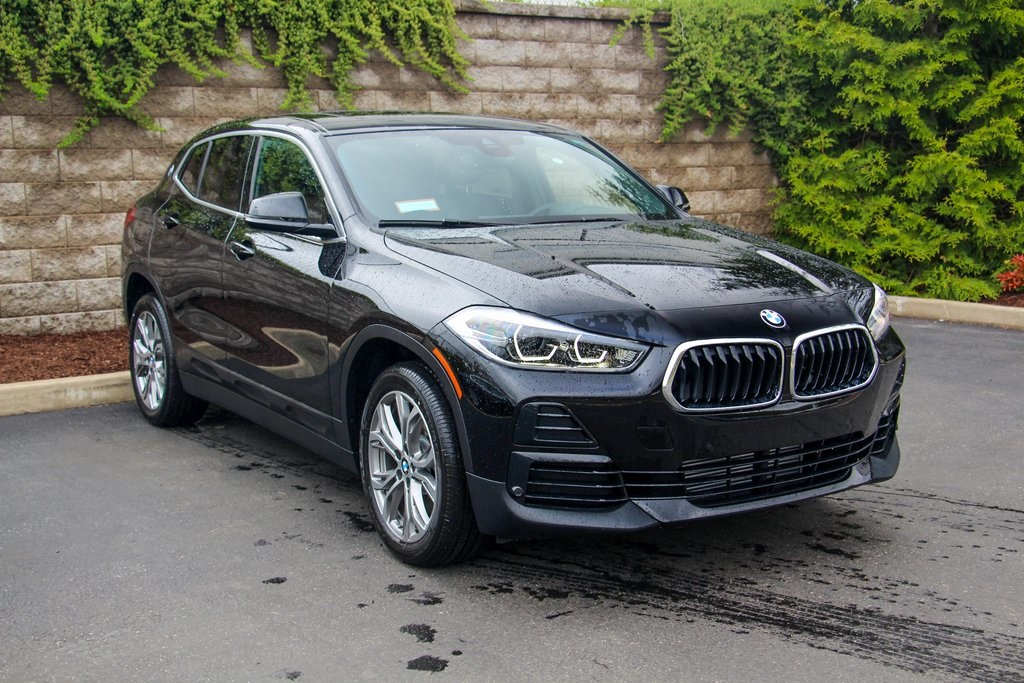 <center><b>New 2022 BMW X2 xDrive28i Sports Activity Vehicle Sport Utility</b></center>