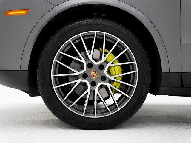 Certified Pre-Owned 2019 Porsche Cayenne E-Hybrid Base