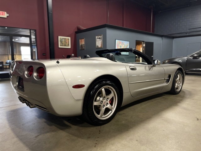 2000 Chevrolet Corvette Base