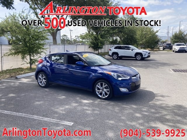 Pre-Owned 2017 Hyundai Veloster Base FWD 3D Hatchback