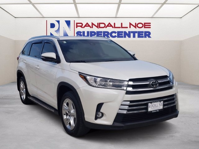The 2019 Toyota Highlander Limited photos