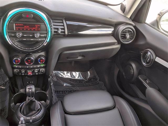2016 MINI Cooper S photo