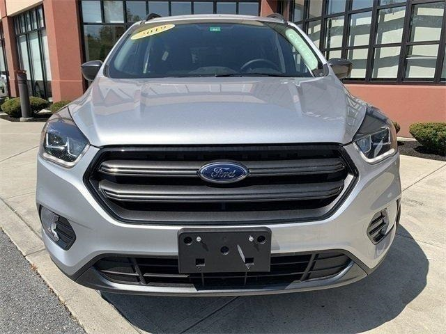 The 2019 Ford Escape SEL photos