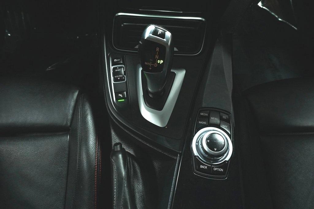 2013 BMW 3 Series 4dr Car