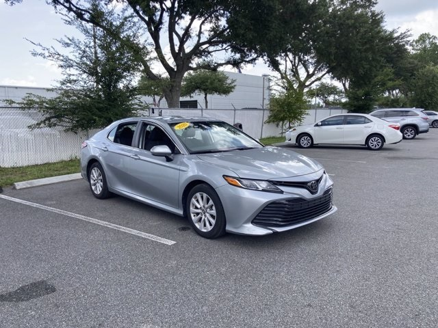 2020 Toyota Camry LE photo
