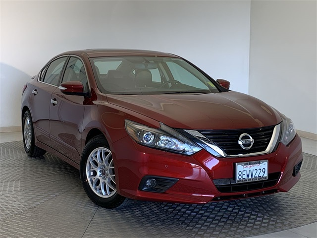 Used-2017-Nissan-Altima