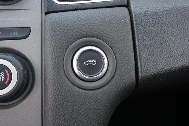 2016 Ford Taurus 4dr Car