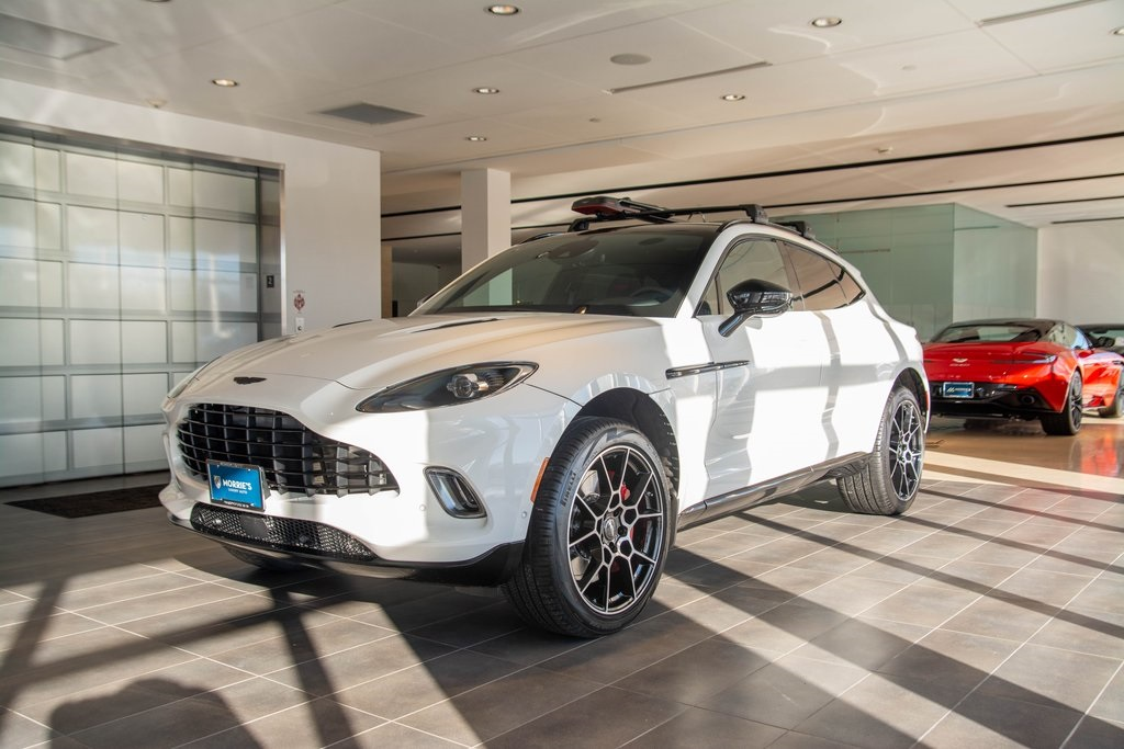 New 2021 Aston Martin DBX Base