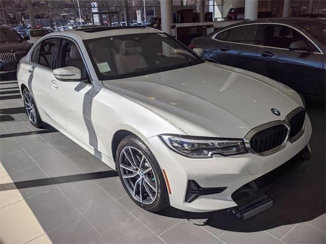 The 2021 BMW 3-Series 330i xDrive photos