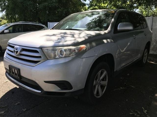 used 2012 Toyota Highlander car, priced at $13,700